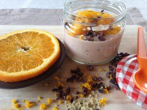 Orangen-Schoko-Joghurt mit Kakaonibs