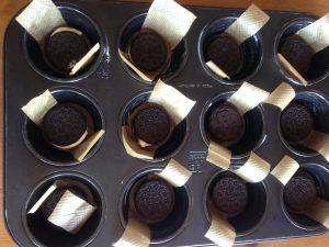 Oreo-Süßkirschen-Cheesecake Muffins