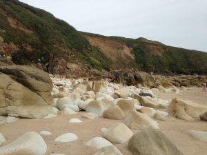 Praa Sands Beach - Steine an der Südküste Cornwalls