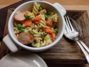 spirelli-gemuesepfanne-mit-wuerstchen