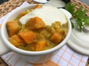 Leckeres Süßkartoffel-Linsen-Curry mit Kokosmilch