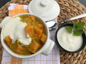 Süßkartoffel-Linsen-Curry mit Kokosmilch