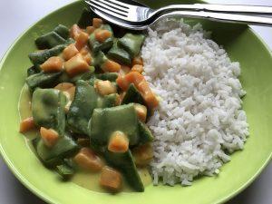 Gemüse in Currysoße mit Basmatireis