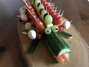 Lustiges Gurkenkrokodil für ein Buffet oder Kindergeburtstag