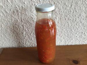 Selbstgemachte Chilisoße süß-sauer