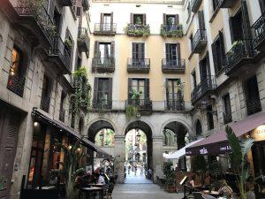 Durchgang zum Placa Reial Barcelona