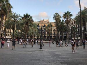 Historischer Platz Placa Reial Barcelona